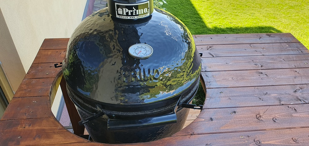 primo grill inside